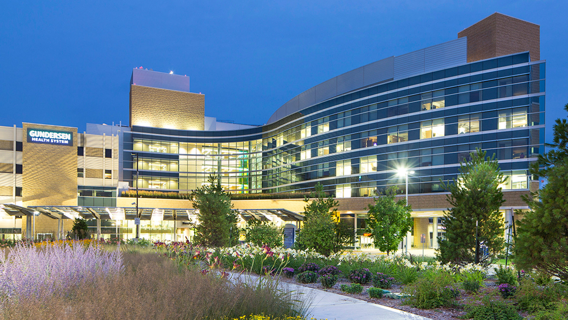 Gundersen-Healthcare-System-Hospital-Evening-Exterior-View-1920x1080